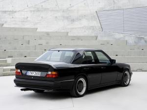 1986_AMG_Hammer_E_(_based_on_Mercedes-Benz_300_E_)_002_5462